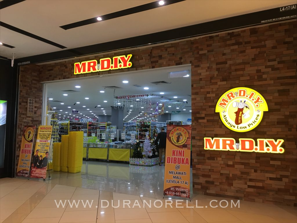 Melawati Mall, GSC Melawati Mall, The Chicken Rice Shop, Me DIY Shop, Brand Outlet, JubahSouq, Rina Salleh, Butik Siti Khadijah, Farmasi Guardian, Groccer Village, Pizza Hut, Carl's Junior, Seoul Garden, The Chicken Rice Shop, MPH Store, Oppo, Digi, Samsung